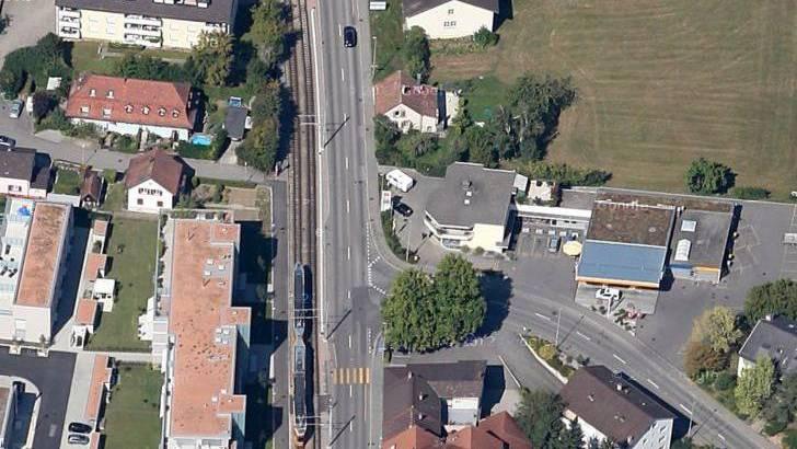 Der Unfall ereignete sich an der Verzweigung Dornacherstrasse/Hauptstrasse.