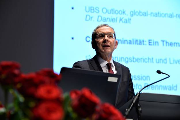 Als traditioneller Industriekanton dürfe der Aargau «zurecht stolz sein» auf seine Unternehmen, die sich an veränderte Bedingungen anzupassen wüssten: Regierungsrat Urs Hofmann (SP) in seinem Grusswort.