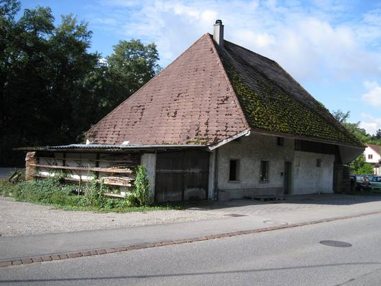 Das etwa 250-jährige Haus vor dem Abbruch, am alten Standort direkt an der Oltnerstrasse