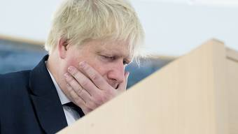 Der frühere britische Aussenminister Boris Johnson soll vor dem Brexit-Referendum 2016 über die Kosten der britischen EU-Mitgliedschaft  gelogen haben. Ihm droht nun ein Prozess wegen Amtsvergehen.
