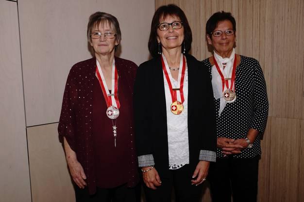 Einzel Damen Kat. A. Kathrin Sieber, Brüttelen, 2. Rang; Hannelore Meggers, Lörrach (D), Siegerin; Sefora Durchdenwald, Subingen, 3. Rang (v.l.).