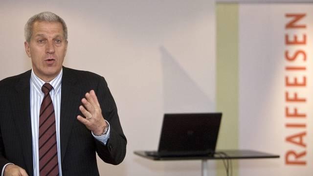 Raiffeisen-Chef Pierin Vincenz: Die Mitarbeiter sind mit seiner Führungscrew gara nicht zufrieden. (Archiv)