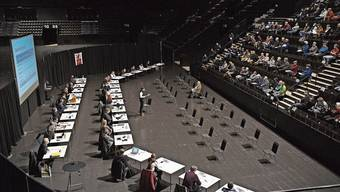 Muttenz führte die Budget-Gemeindeversammlung wegen Corona in der St.Jakobhalle durch.