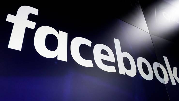 Facebook will mit der Digitalwährung Libra Bezahlvorgänge beschleunigen und rund einer Milliarde Menschen ohne Bankkonto einen Anschluss an Finanzflüsse erleichtern. (Symbolbild)