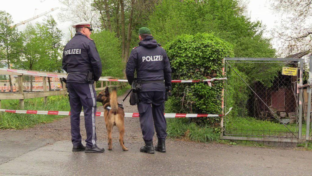Die Polizeibeamten fanden den 66-Jährigen schwer verletzt vor. (Symbolbild)