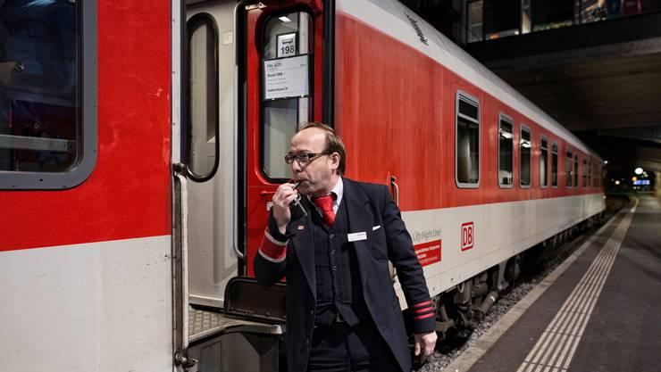 Der letzte Pfiff: Morgen fährt der Nachtzug um 18.26 Uhr noch einmal von Basel nach Kopenhagen ab. Dann ist Schluss.