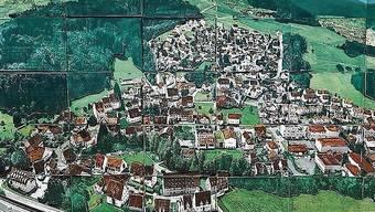 Eine Drohnenaufnahme bildete die Grundlage für diese gemalte Luftansicht von Giebenach.
