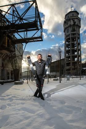Den ersten Ski liess er sich einfach für sich bauen. Doch Freunde und Bekannte fanden sein Modell so gut, dass er den Plan änderte.