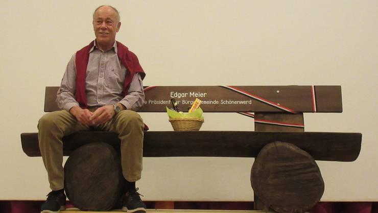 Hin und weg: Edgar Meier war für einen Moment sprachlos vor lauter Freude über sein Geschenk.