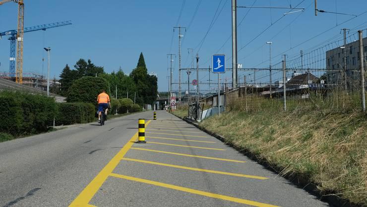 Wie beeinflusst die Stadtzürcher Verkehrsplanung die geplante Veloschnellroute auf der Schlieremer Wiesenstrasse?