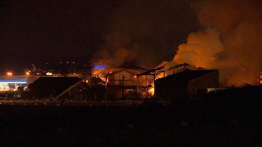 Grossbrand in Dällikon führt zu Evakuation