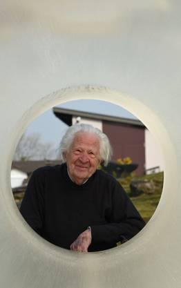 «Ich muss Raum in die Körper bringen – dann geht es weiter» Erwin Rehmann in seinem Skulpturengarten, den er vor 15 Jahren eröffnet hat