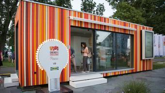 Die Wohnbox ist ein fast voll ausgestattetes, autarkes Minergie-Häuschen.