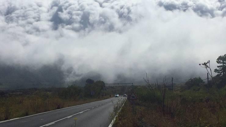 09. 2017 El Paso  Wolkenphänomen auf La Palma (Wasserfall-Wolken