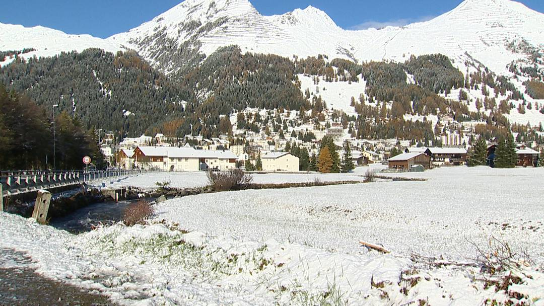 Wintereinzug in den Bergen: Frau Holle beschert Davos weisse Pracht