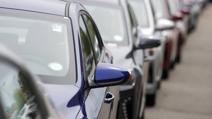 Der Abwärtstrend im Autogeschäft hat tiefe Löcher in die Bilanzen vieler Hersteller gerissen. 10 der 16 grössten Autokonzerne weltweit mussten im zweiten Quartal einen Gewinnrückgang hinnehmen. (Archiv)