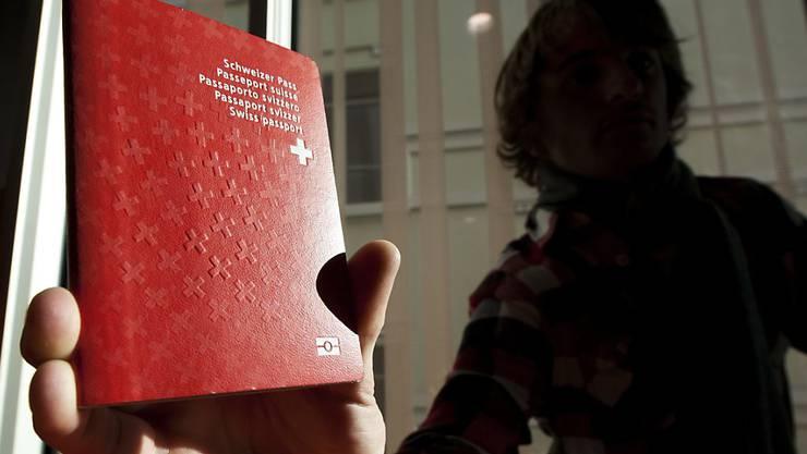 Im Kanton Basel-Stadt sollen 18-Jährige Ausländer, die in der Schweiz geboren und aufgewachsen sind, von einer vergünstigten Einbürgerung profitieren. (Symbolbild)