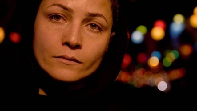 """Marsieh Wafamehr in einer Szene des Films """"My Tehran for sale"""" (Archiv)"""