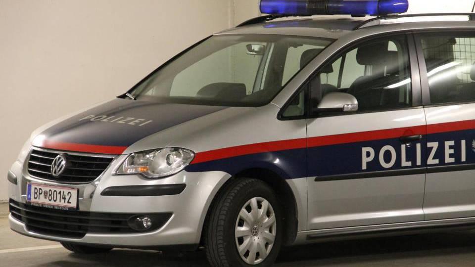 In Bregenz wurde eine Frau überfahren. Sie ist noch an der Unfallstelle gestorben.  (Symbolbild)