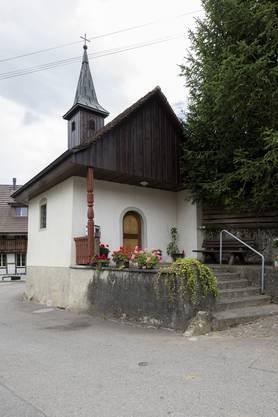 Der Husemer Baumeister Heini Burger errichtete die Annakapelle 1704 mitten im Weiler.