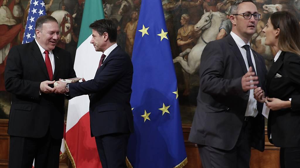 Pompeo in Rom bei Mattarella und Conte