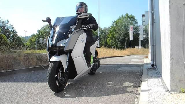 Schnell und leise: Testfahren mit dem Elektromotorrad.