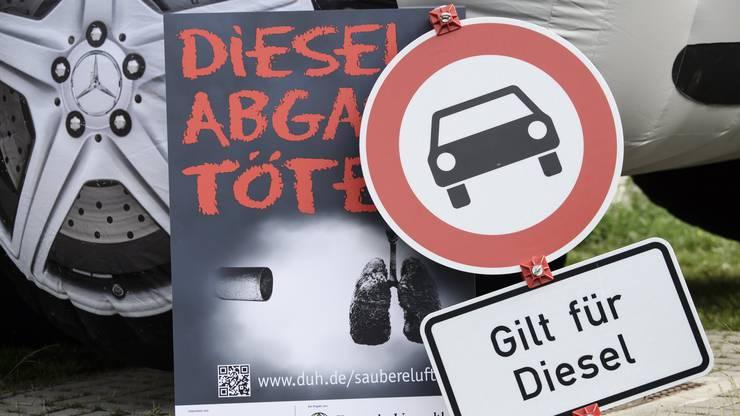 Der Dieselgipfel sollte im Verkehrsministerium stattfinden. Vor dem Gebäude kam es zu Demonstrationen.