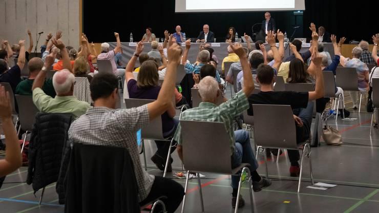 Die Stimmberechtigten stellten sich hinter den Gemeinderat.