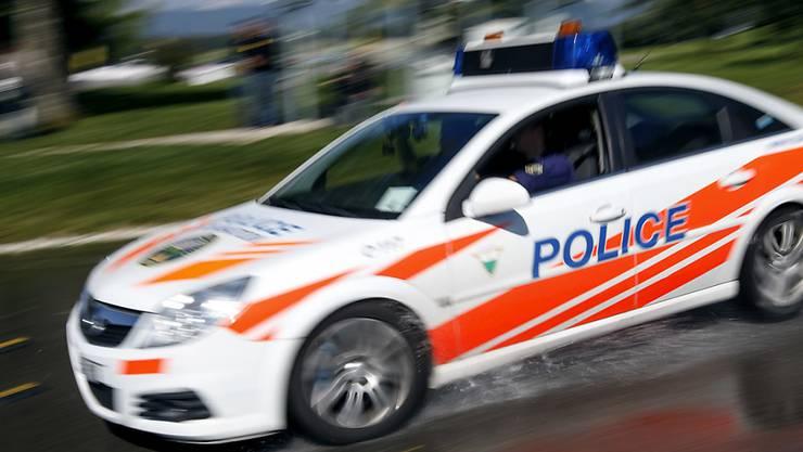 Die Waadtländer Polizei nahm den 28-jährigen Ehemann der verletzten Frau fest (Archiv).