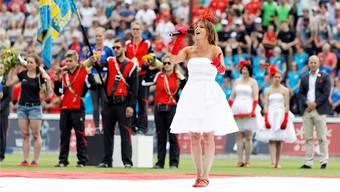 Tabea Legler singt im Brügglifeld.