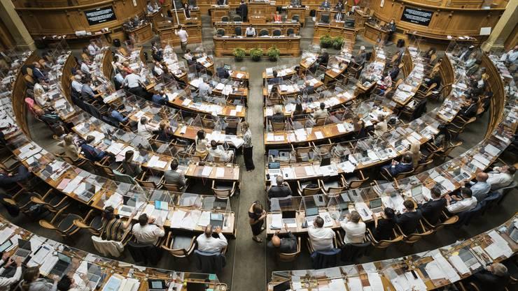 Das Parlament will definitiv nicht auf eine Überbrückungshilfe für frühere Ratsmitglieder verzichten.