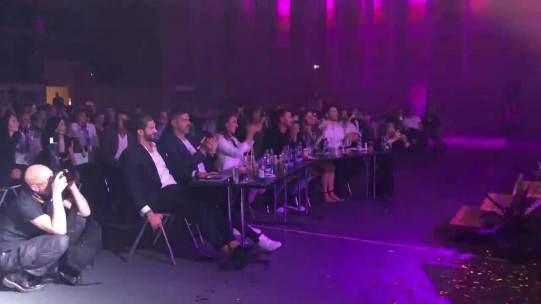 Auftritt der zwölf Kandidaten am Schluss der Gala in der Stadthalle Dietikon