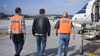 Im Kanton Solothurn ist vorgesehen, dass das Migrationsamt die strafrechtlichen Landesverweisungen vollziehen wird. Eine klare Koordination in der Zusammenarbeit von Strafbehörden und Migrationsbehörden sei unerlässlich.