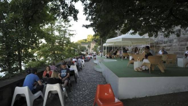 Die stille Party an lauschigem Ort, wie sie zuletzt vor zwei Jahren stattgefunden hat, scheitert nicht am Interesse der Besucher. Foto: Kenneth Nars