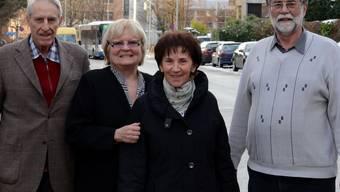 Der Schlieremer SVP-Präsident Rudolf Dober, Gemeinderätin Heidemarie Busch (CVP), Heidi Berri und Felix Kissling in der Spitalstrasse. fni