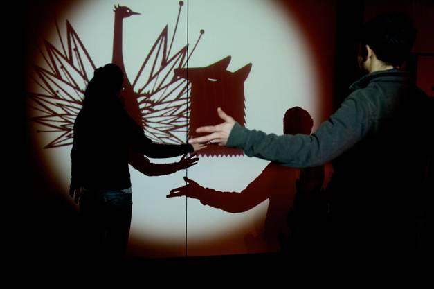 Interaktive Scherenschnitt-Projektion von Camille Scherrer