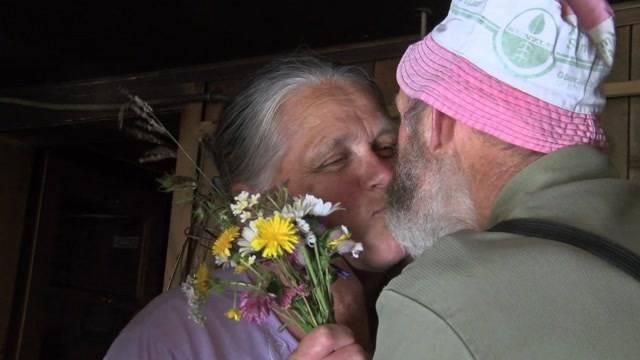 Oberländer Älplerpaar im Kino