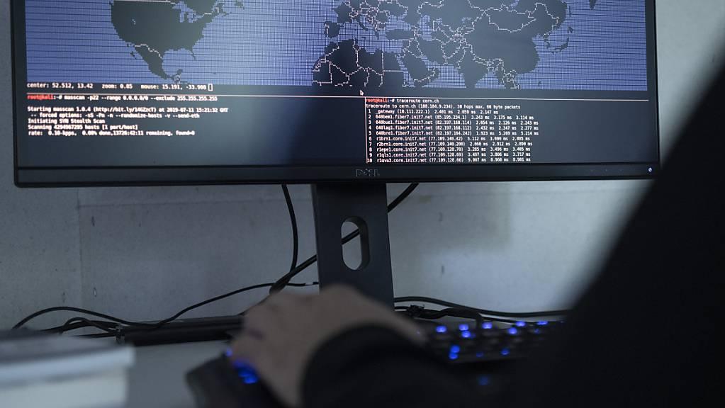 Nun dürfen alle die Post hacken. (Symbolbild)