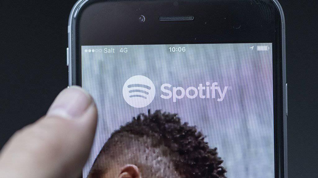 Soll Tausende Lieder unrechtmässig verwendet haben: der schwedische Musik-Streamingdienst Spotify. (Symbolbild)