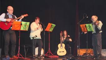 Die Band Arran Folk sorgte mit irischen Liedern für Stimmung. Carolin Frei