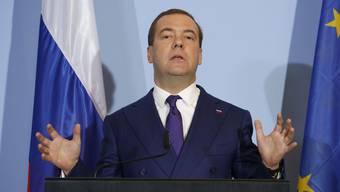 Dmitri Medwedew sieht das Problem nicht in den eigenen Raketen, sondern in den amerikanischen. US-Waffen, so fordert er, sollen zurück in die USA.