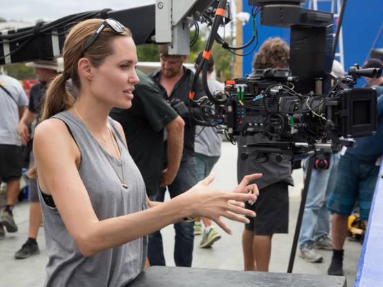 """Angelina Jolie als Regisseurin ihres Films """"Unbroken"""" (Archiv)"""