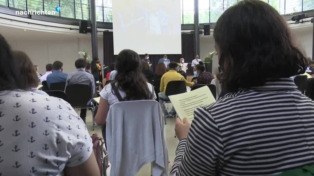 Erstes Flüchtlingsparlament in Bern