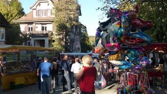 An der 70. Hela vor einem Jahr konnten die Besucher bei schönstem Wetter über den Markt flanieren. Nun steht die 71. Ausgabe der Herbstmesse vor der Tür.