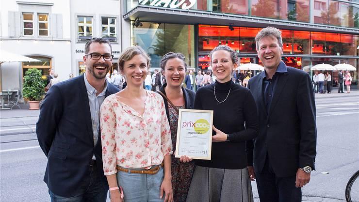 Die Gewinner des Prix Eco von der Stiftung myclimate (v.l.): Beni Huber, Angela Zimmermann, Julia Käser, Sabine Perch-Nielsen, René Estermann.Kenneth Nars