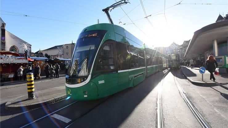 Die Basler Verkehrs-Betriebe brauchen dringend zwei neue Abteilungsleiter. (Archiv)