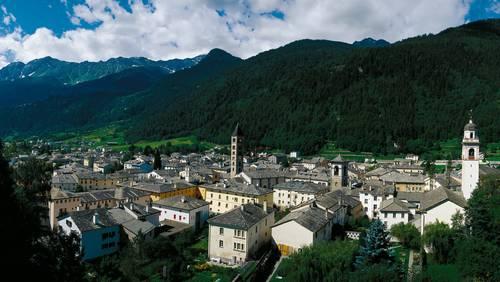 Poschiavo (1014 m), Hauptort des Puschlav / Val Poschiavo in Graubuenden.