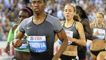 Führt das Feld souverän an - 800-m-Spezialistin Caster Semenya