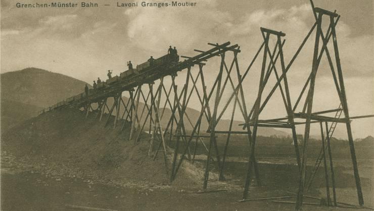 Eine eindrückliche Ansicht über den Bau des Mösliviadukts.