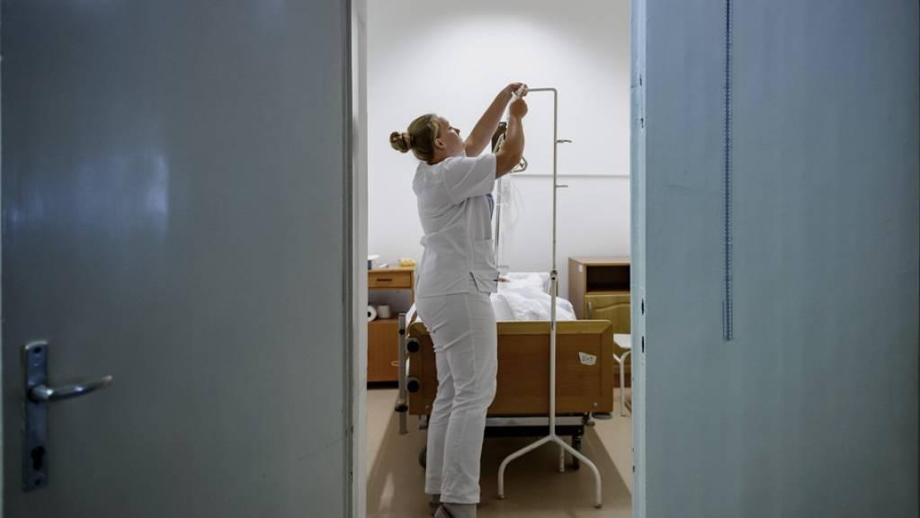 Die Bedeutung biotechnologisch erzeugter Medikamente nimmt zu. Biologika gehören dabei oft zu den teureren Medikamenten. Nachahmermedikamente werden in der Schweiz jedoch bisher wenig eingesetzt. (Symbolbild)
